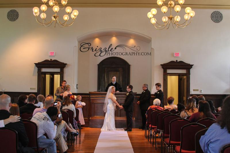 Atl Bilingual Bridal Chapel Church Courthouse Elope Ga REVEREND JOHNSON PERFORMING ELEGANT WEDDING CEREMONY