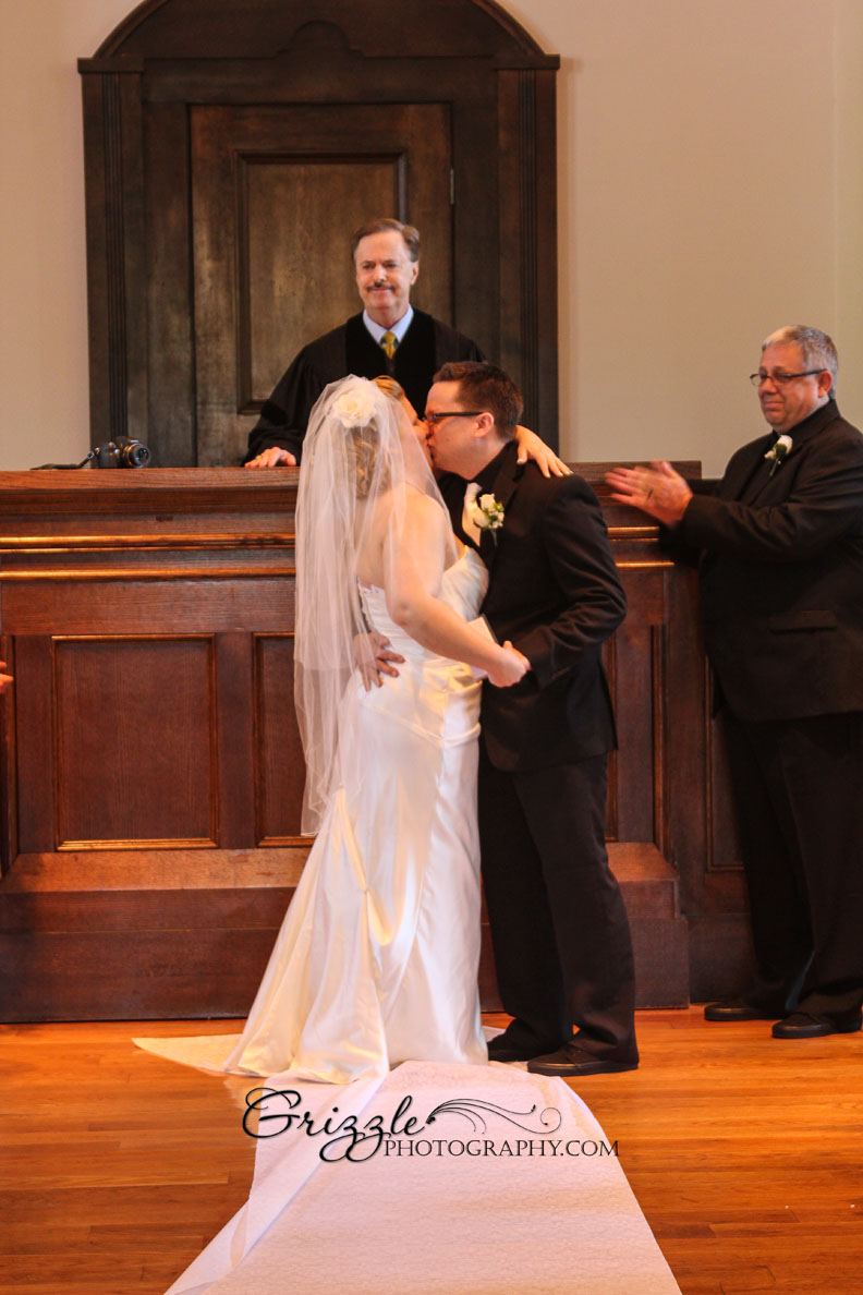 wedding marry chapels officiant minister justice of peace elope shortnotice
